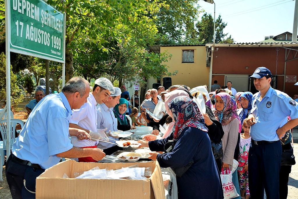 Korfez-Deprem-Sehitleri-Anma-2015 (7)